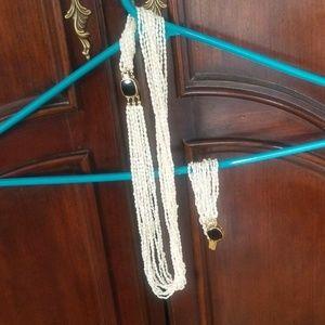 Jewelry - Necklace w bracelet